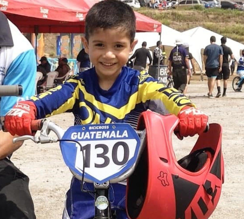Mateo obtuvo 4to lugar en la Competencia Internacional C1 de BMX