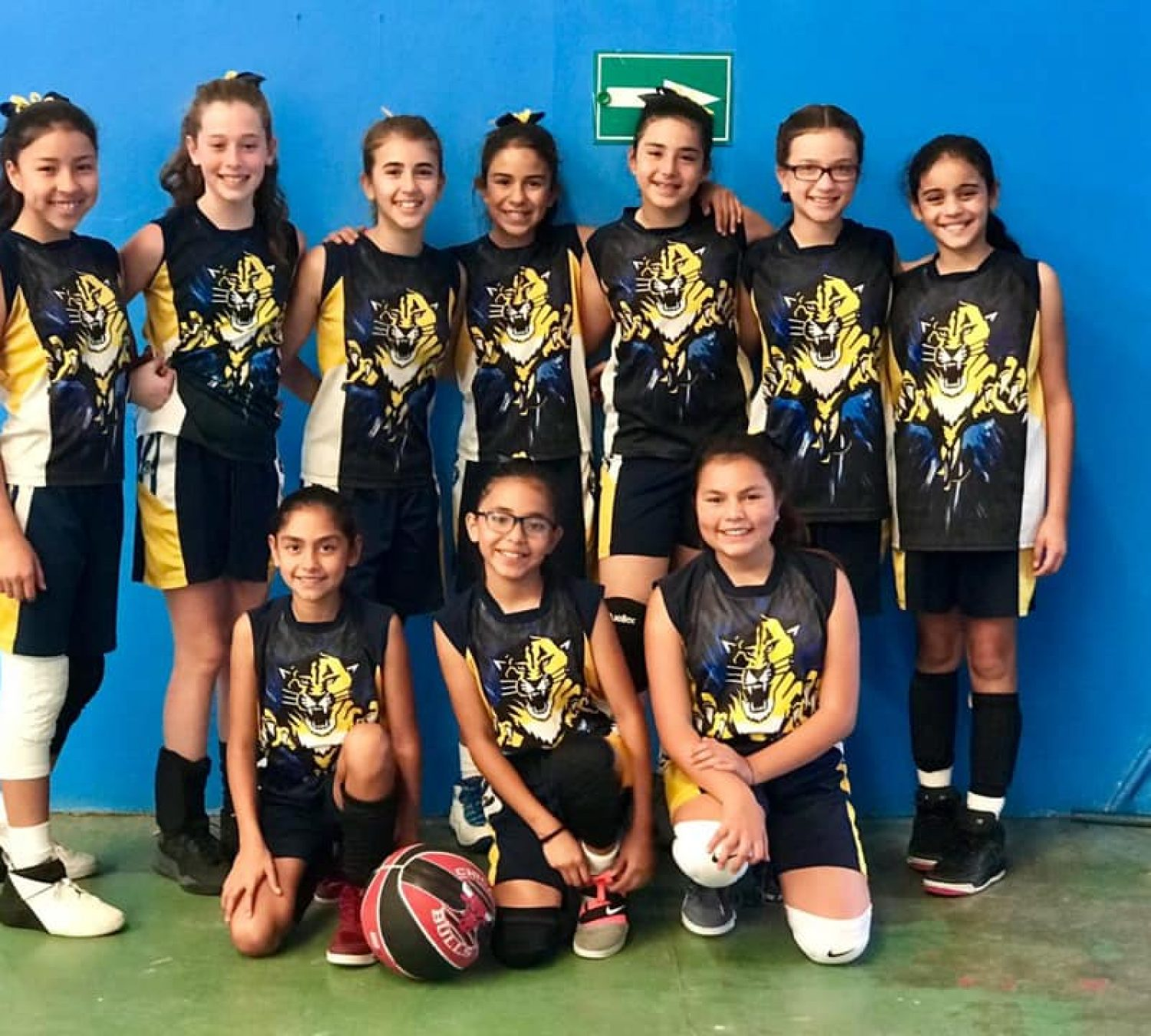 Today our girls' basketball team won against El Sagrado Corazón and Liceo Javier